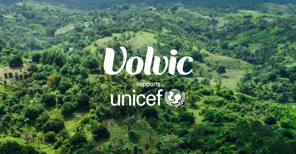 VERSUS - Volvic supports UNICEF